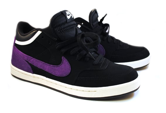 00f39b8966a38f Nike SB Challenge Court