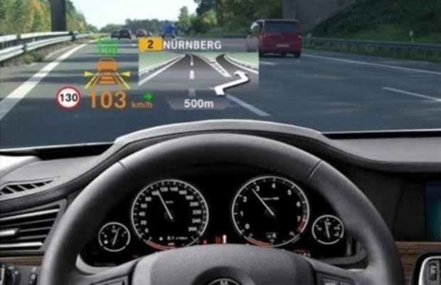 bmw introduces 39 head up 39 display 3d projected smart. Black Bedroom Furniture Sets. Home Design Ideas