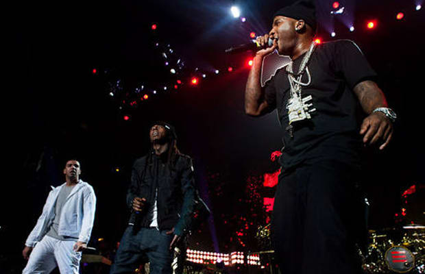 Lil wayne releases the prefix raps over nine jay z songs lil wayne performs with jeezy during jay zs new york blueprint 3 tour stop malvernweather Images