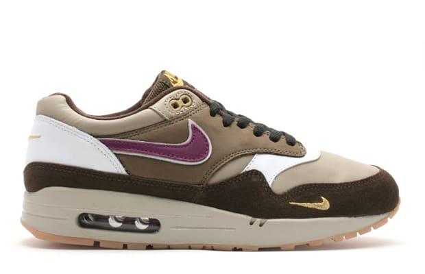 purchase cheap 9efda 68898 ... 12. atmos x Nike Air Max 1 B ...