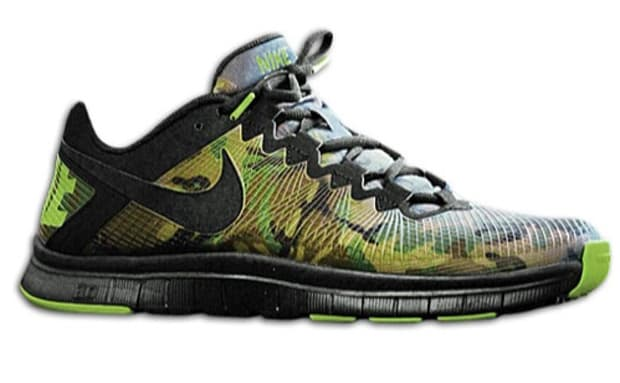 nike free trainer 3.0 camouflage background