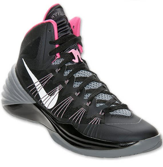 If the Think Pink pair of the Hyperdunk 2013 is a little too much for you,  maybe the on-hand color option of the hoops model will tickle your fancy.