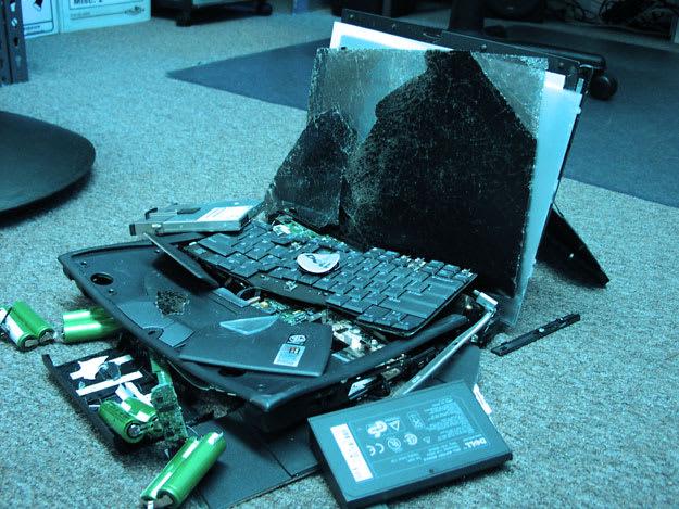 broken-laptop-resized
