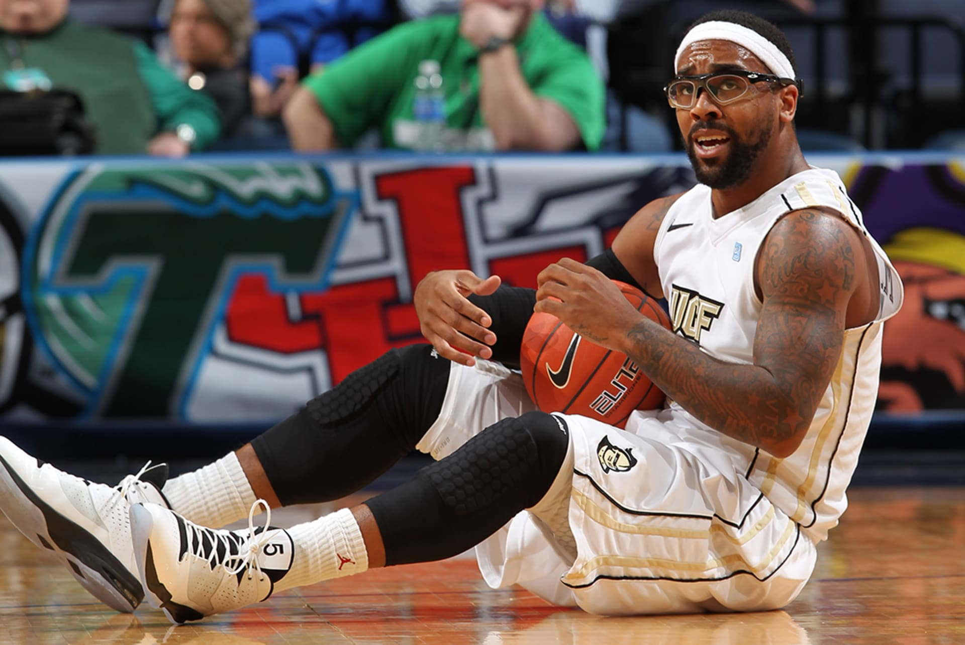 timeless design d6ff2 95dba How Marcus Jordan Wore a Pair of Air Jordans and Cost UCF ...