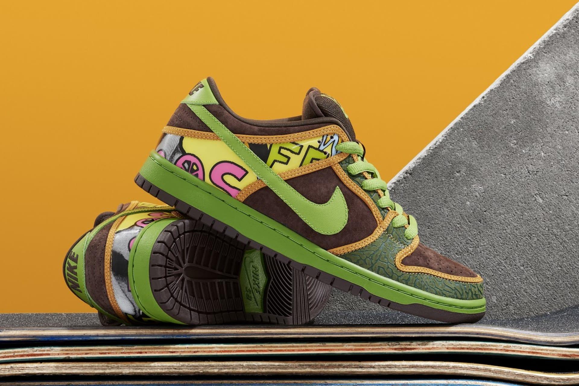 best loved cf9e4 267dd Exclusive: The Nike Dunk SB 'De La Soul' Is Back 2015 | Complex