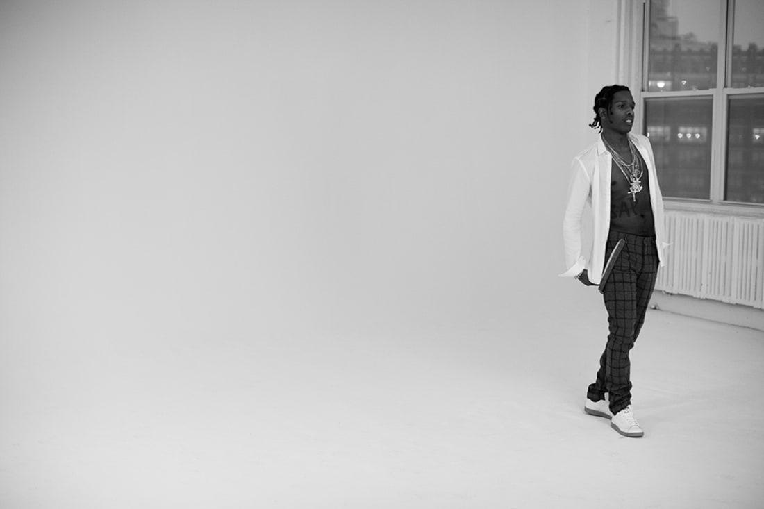 Fashion Magazine Models Chill -