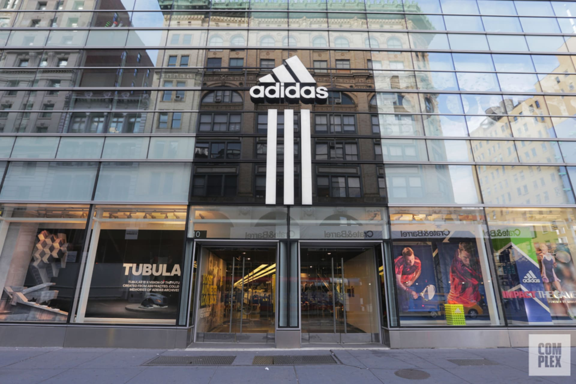 brand new 689fb 50308 The 10 Best Sneaker Stores in NYC  Complex