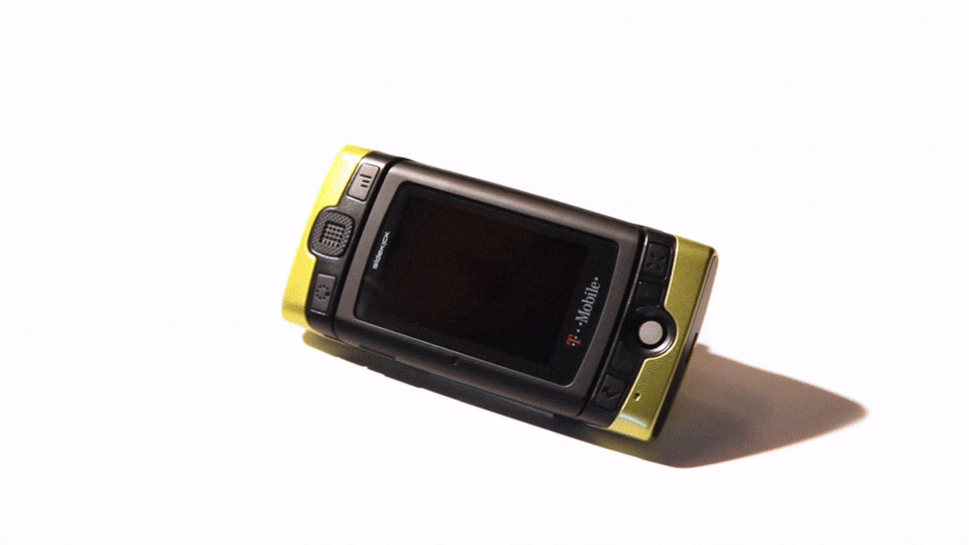 9ab0d934da The History of the Sidekick  The Coolest Smartphone of All Time