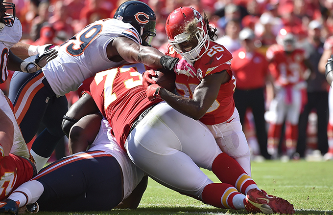 Jamaal Charles #25 of the Kansas City Chiefs is tackled and injured