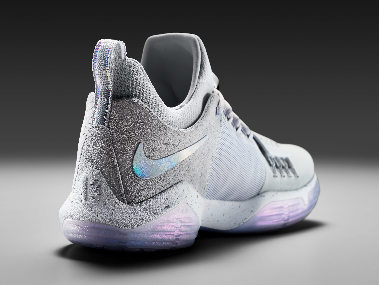 Nike Paul George Shoe Heel