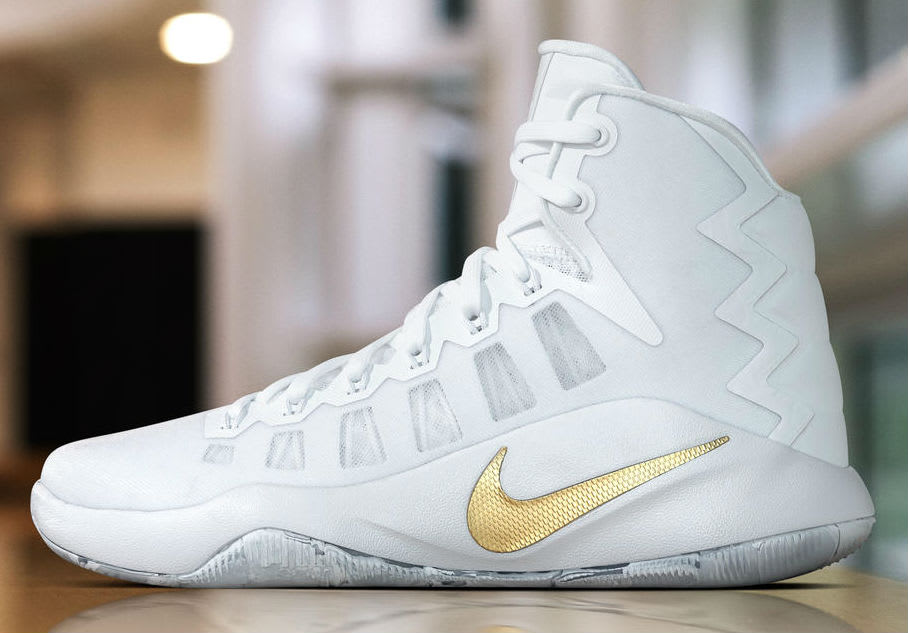 Nike Hyperdunk 2016 Gold Christmas Day PE