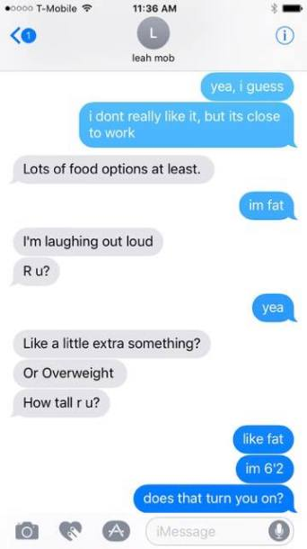 Michael Che and Leah McSweeney Texts