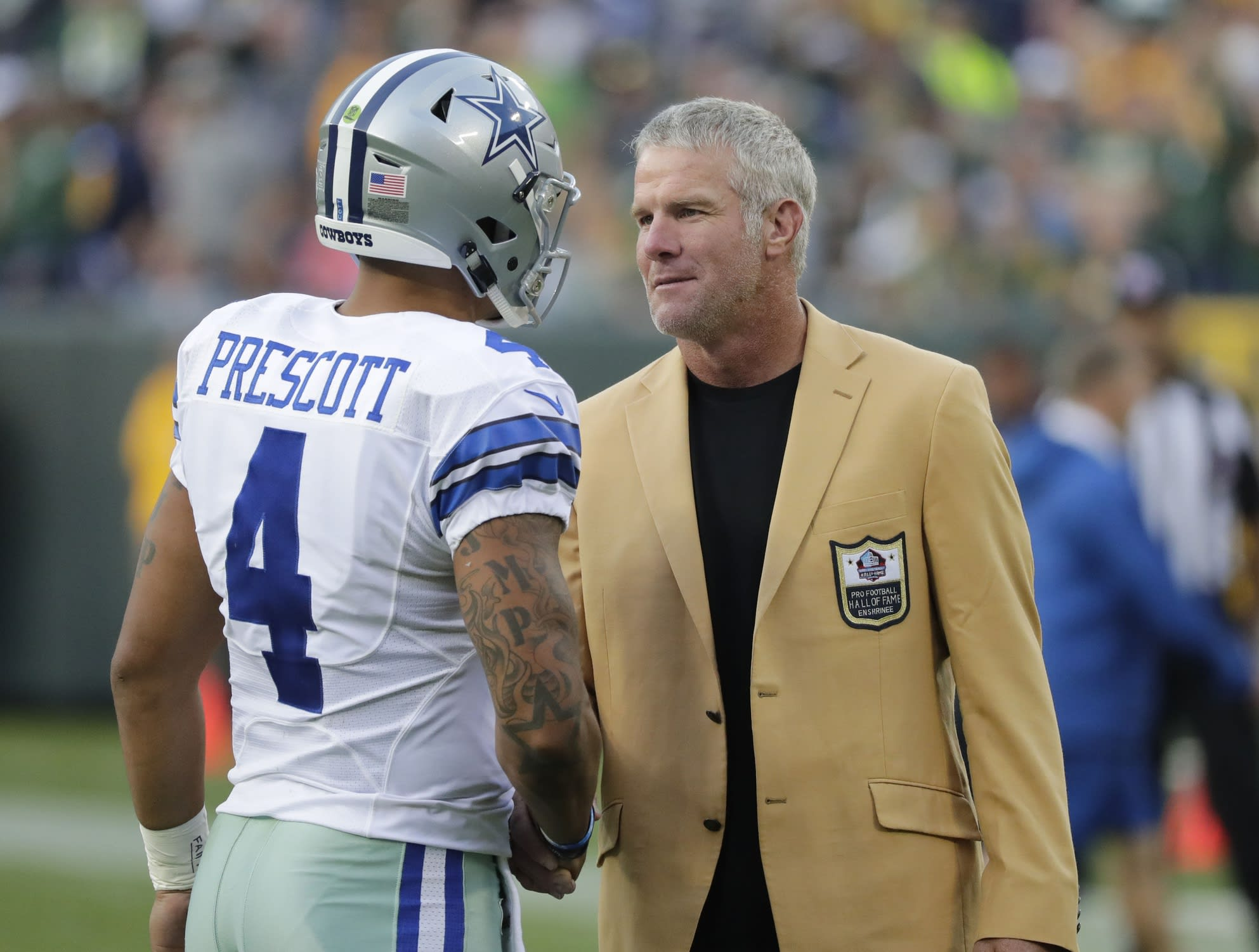 brett favre is ready to crown tom brady the g o a t says the dak prescott brett favre cowboys packers 2016 lambeau field
