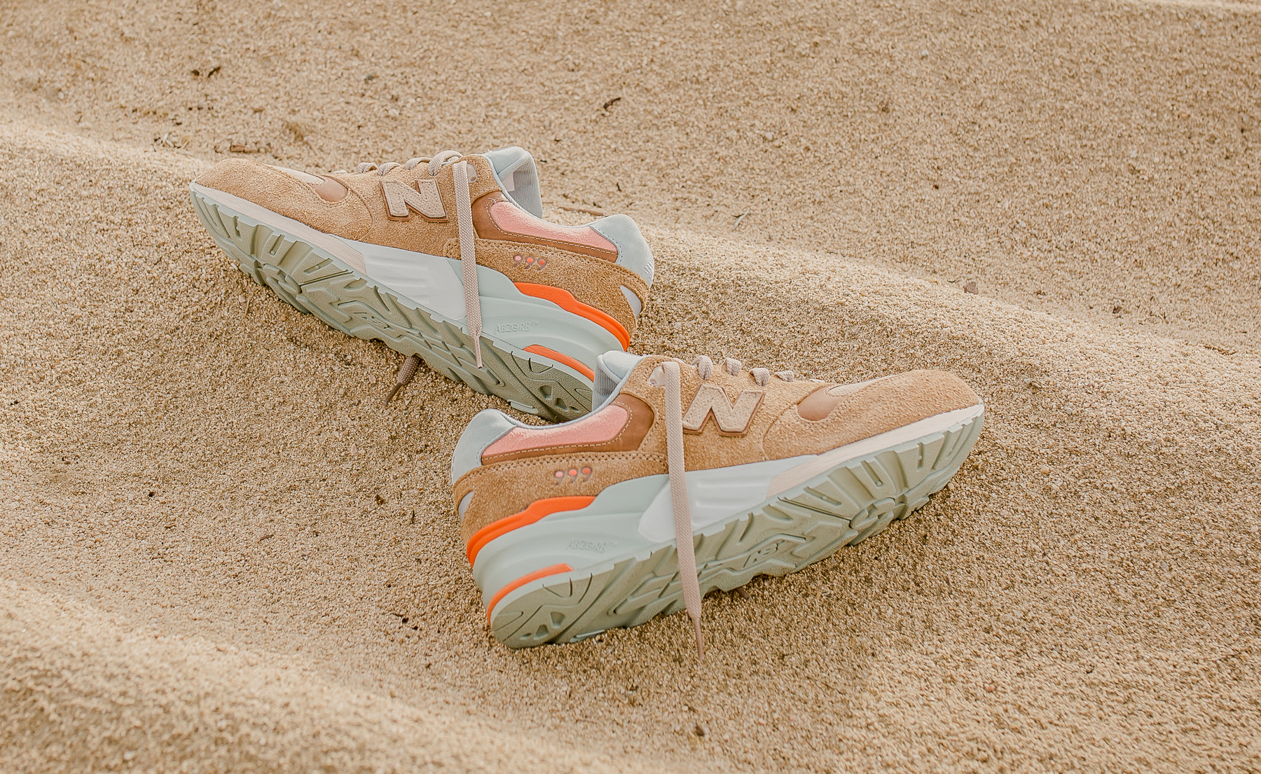 detailed look 5d0d5 be8a6 Packer New Balance 999 Camel | Sole Collector