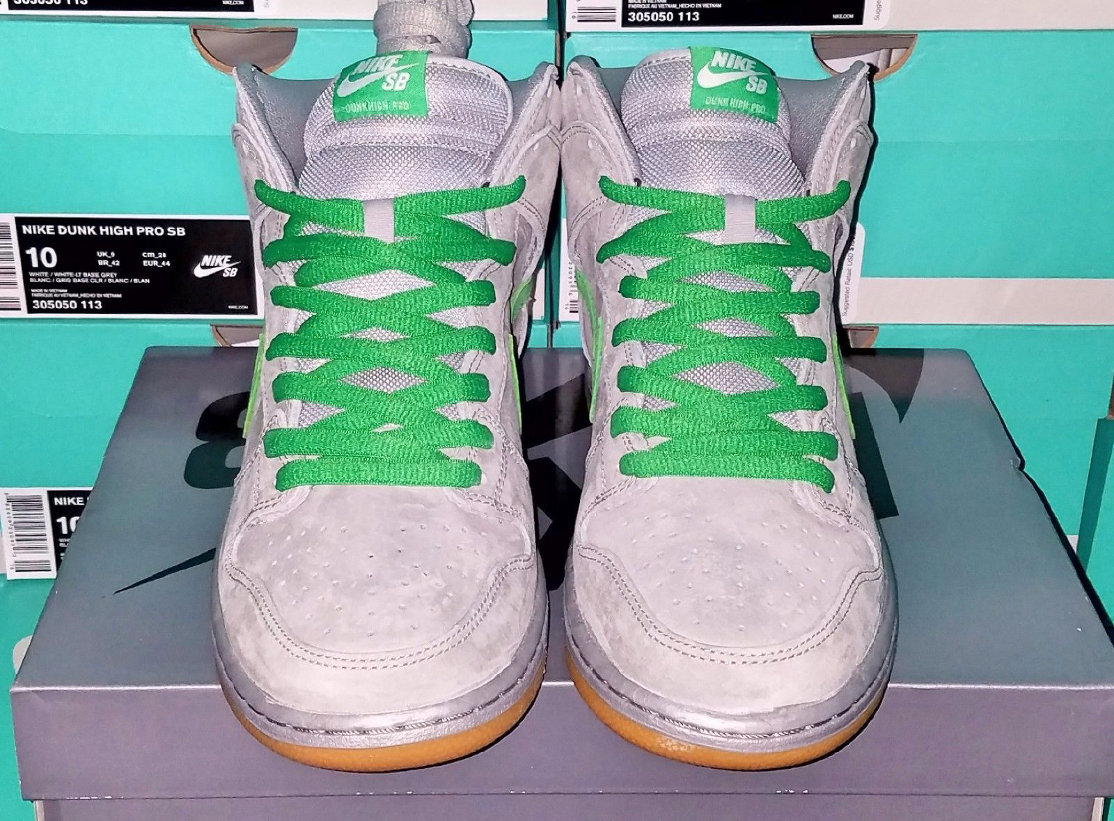 Nike SB Dunk Silver Box Front