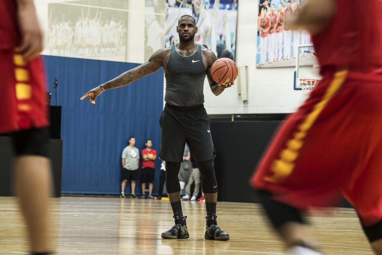 Inducir medias legación  LeBron James Wearing Nike LeBron Soldier 10 Camo | Sole Collector