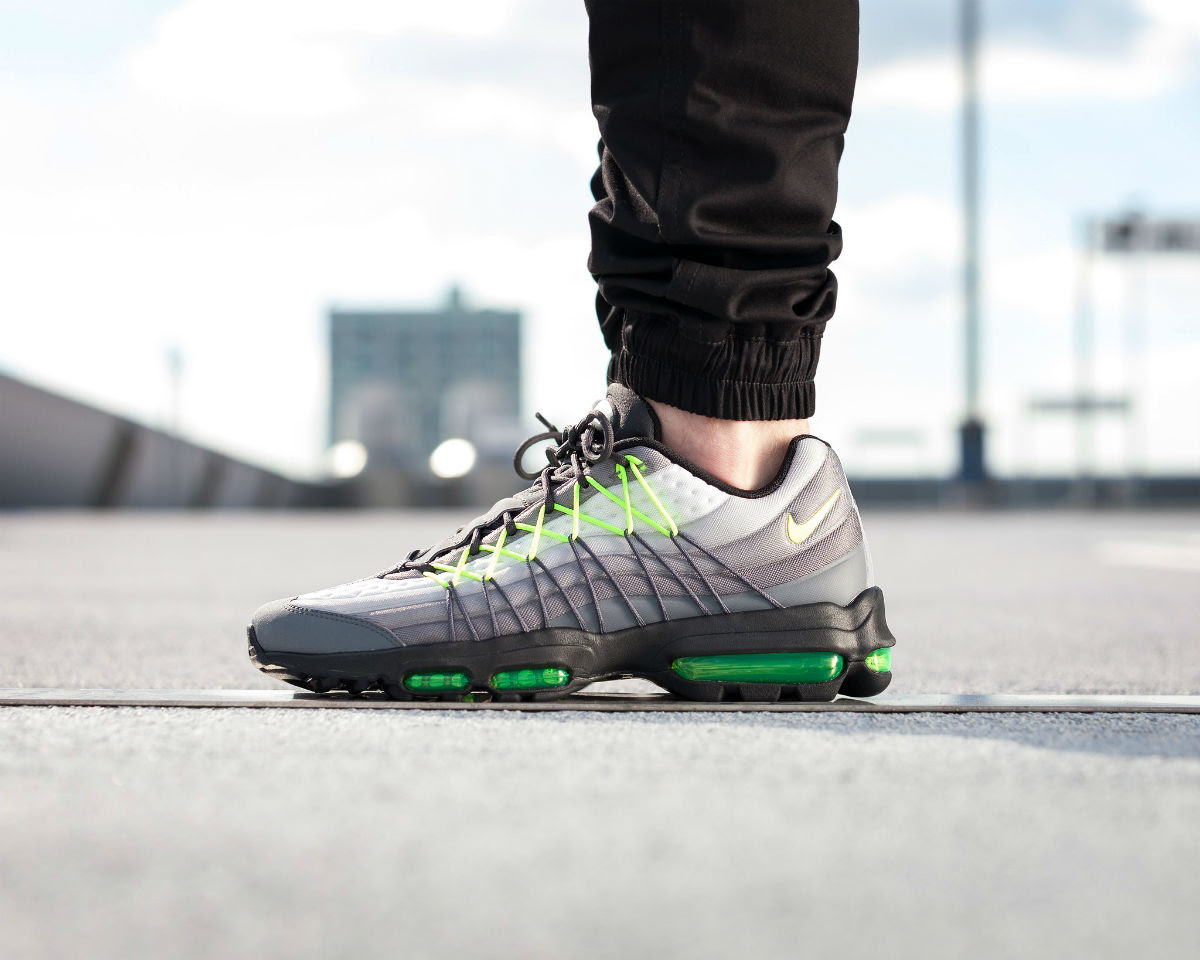best sneakers efd03 354ec Nike Air Max 95 Ultra SE Neon On-Foot 845033-007 | Sole ...