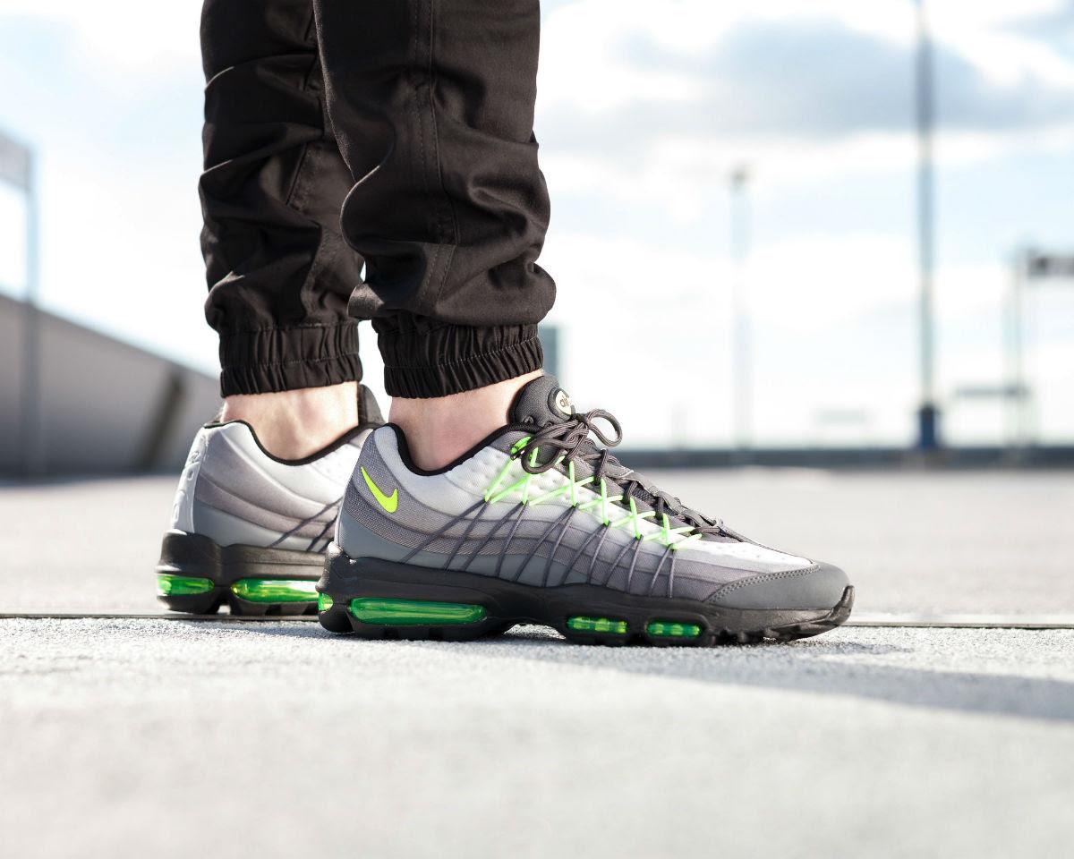 Nike Air Max 95 Neon On Feet
