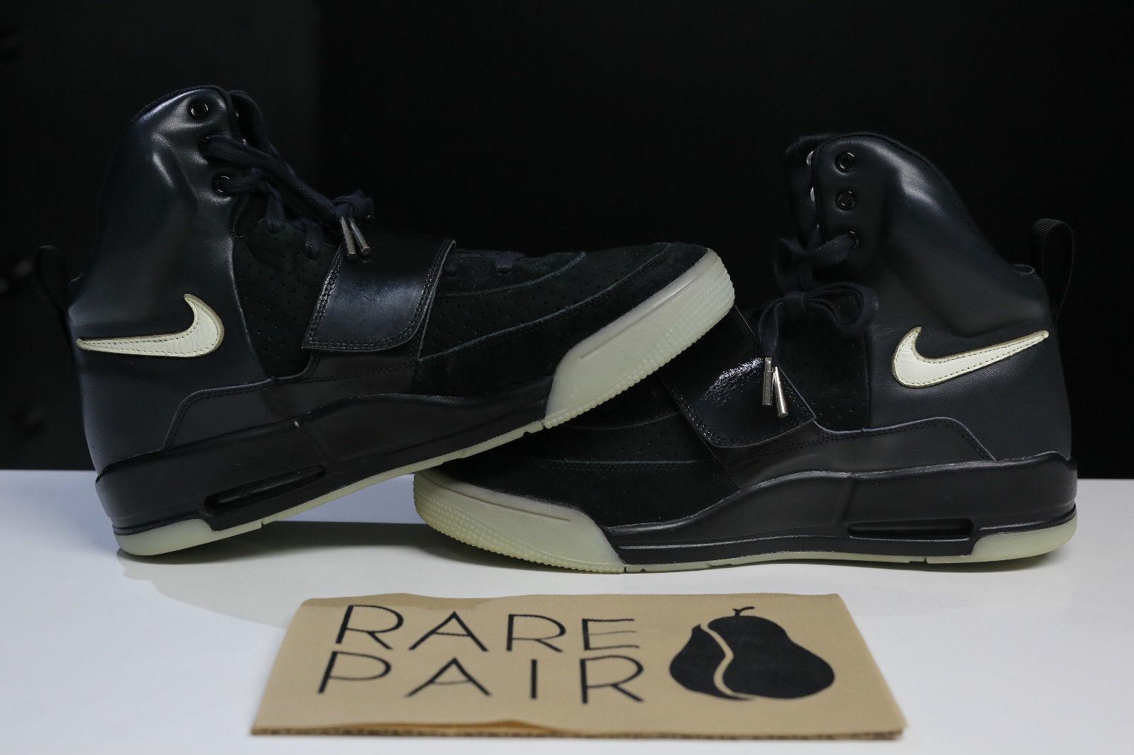 Nike Air Yeezy Kanye West Black/White Sample Pair Medial
