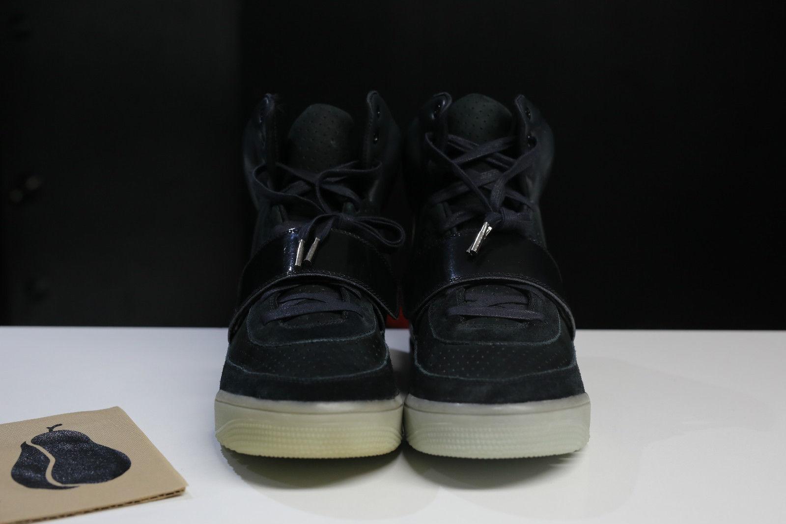 Nike Air Yeezy Kanye West Black/White Sample Pair Toe