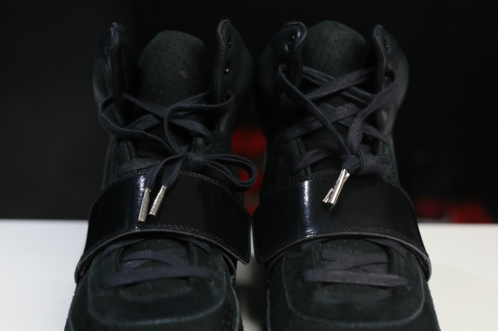 Nike Air Yeezy Kanye West Black/White Sample Pair Strap