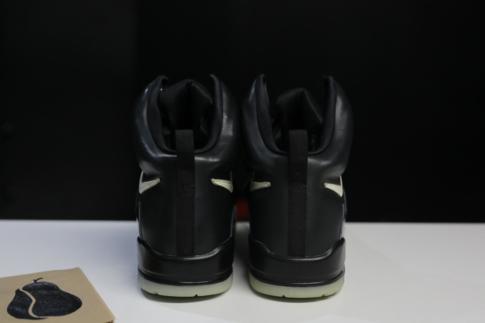 Nike Air Yeezy Kanye West Black/White Sample Heel