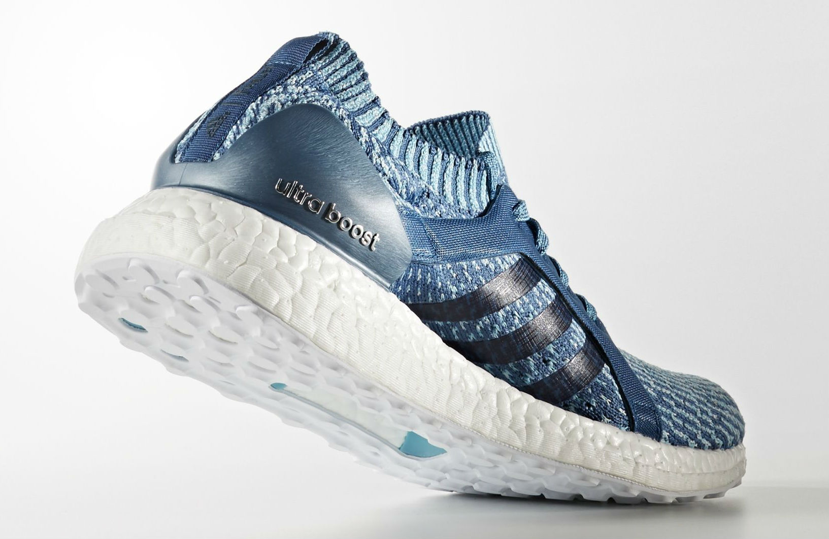 Parley x adidas Ultra Boost Blue Women's Lateral BB1978