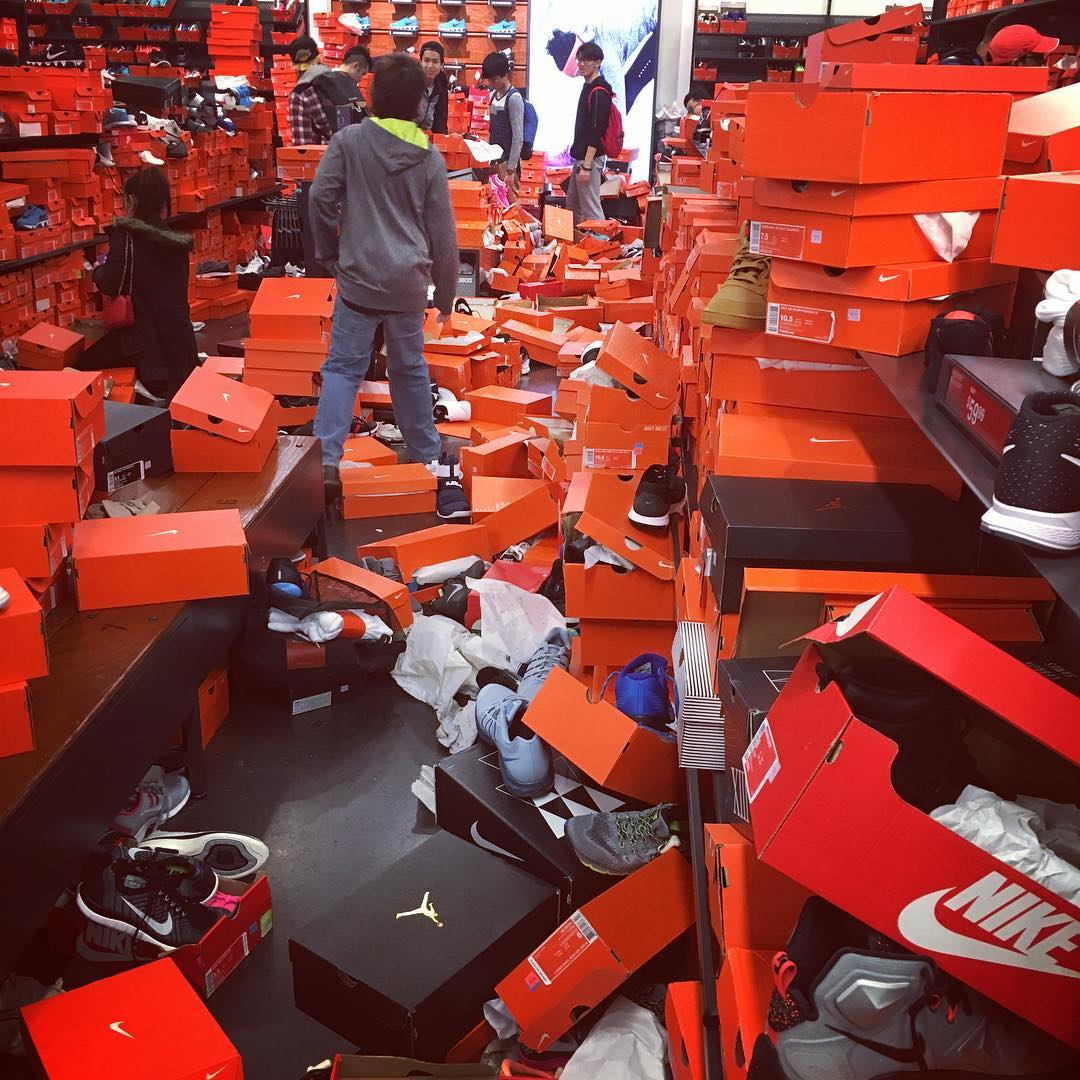 Nike Seattle Outlet Trashed for Black Friday