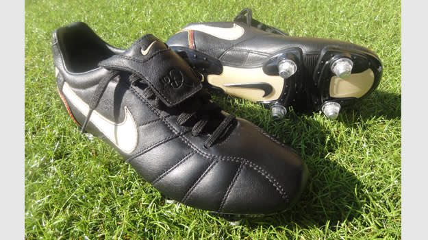old nike soccer cleats