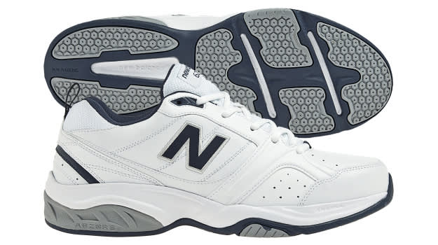 New Balance 623v2