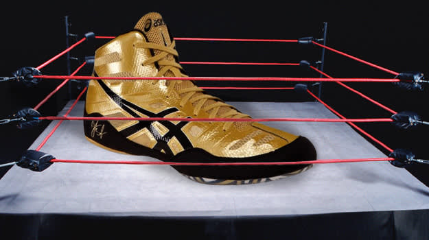 wrestling shoes lead