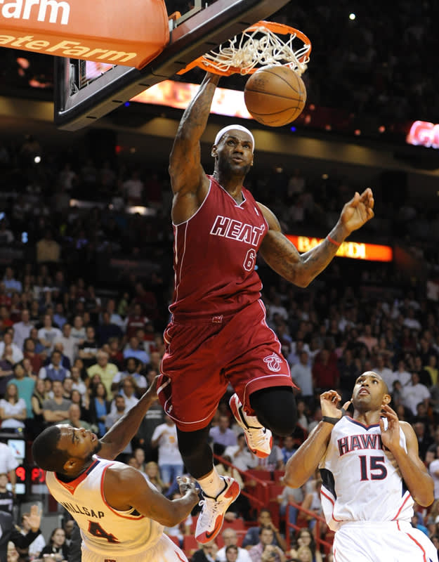 LeBron James Dunk