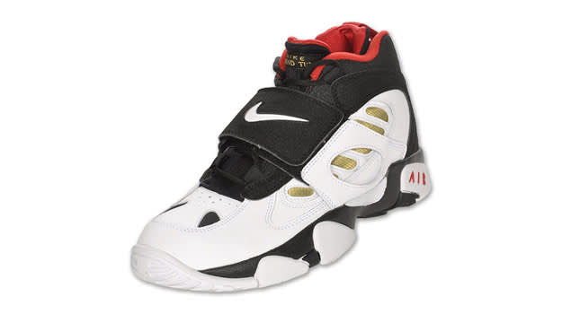 Nike Diamond Turf II