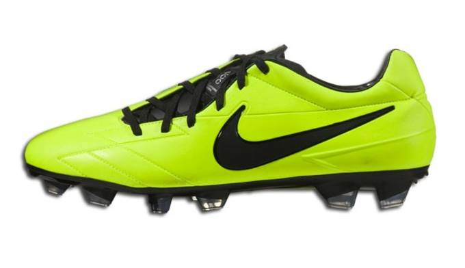 Clearance Boots - Nike Vapor IV