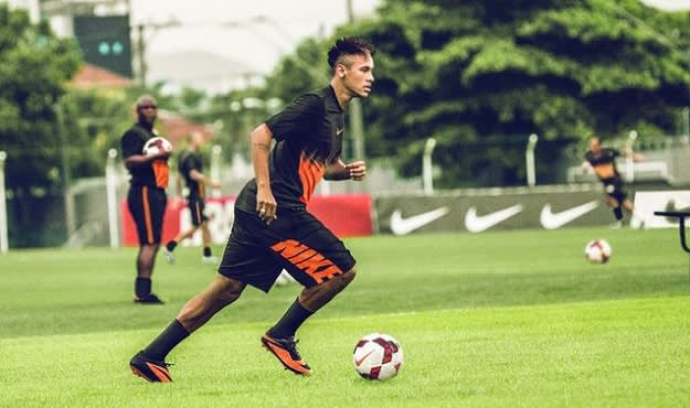 Strikers Neymar