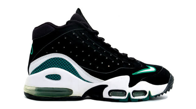 Cross Trainers - Nike Griffey Max 2