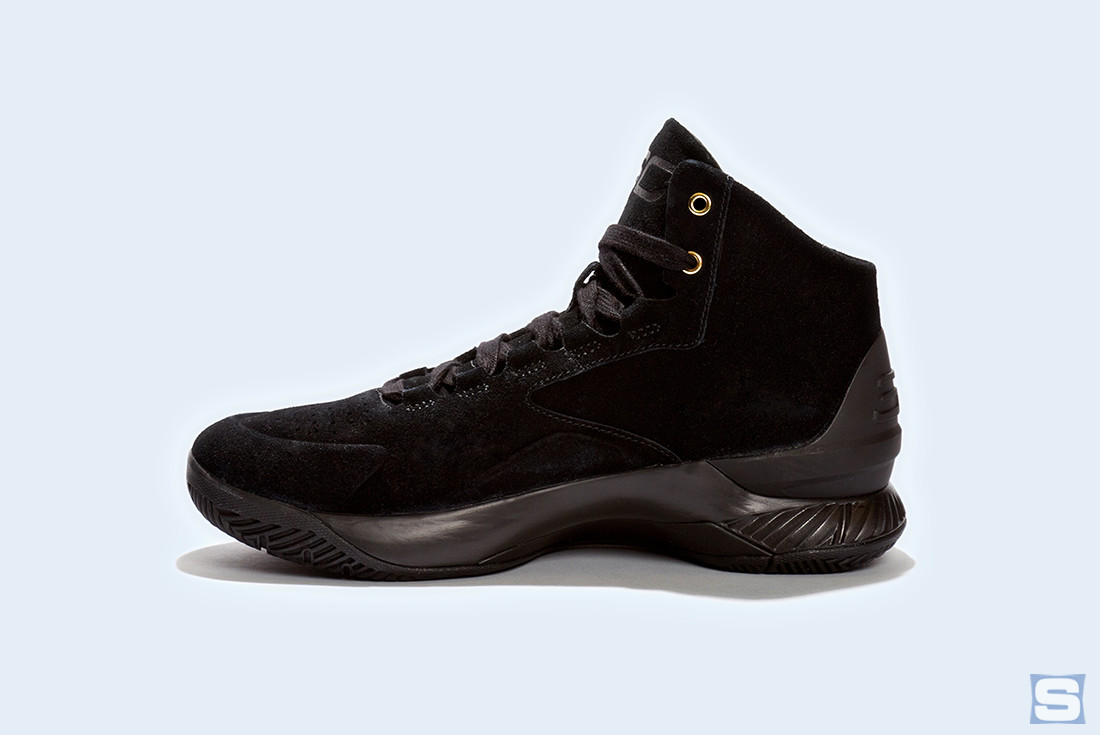 Under Armour Curry Lux Triple Black Profile