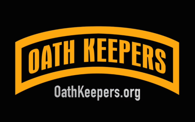 Armed Right-Wing Group Oath Keepers Offers to Protect Kim Davis