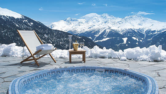 hot tub in the snow the 30 coolest hot tubs complex. Black Bedroom Furniture Sets. Home Design Ideas