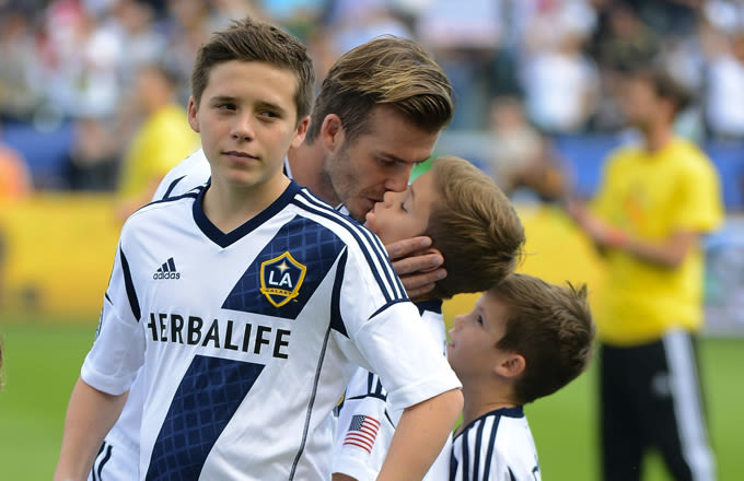 Brooklyn Beckham Is Now a Professional Footballer after ...