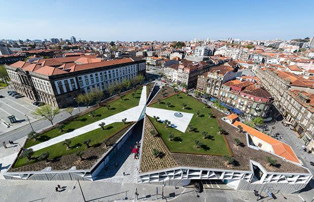 Praca de lisboa brings a new public space to porto for Architecture t square