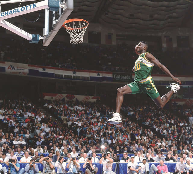 25 Iconic Sneaker Photos Of Shawn Kemp