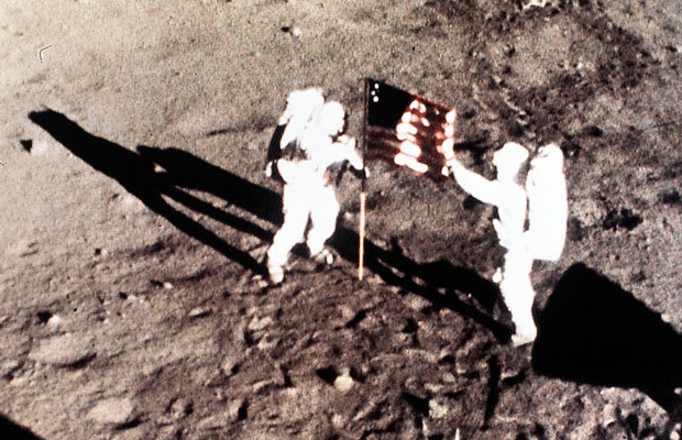 Neil Armstrong and Buzz Aldrin Walk on the Moon - 15 ...