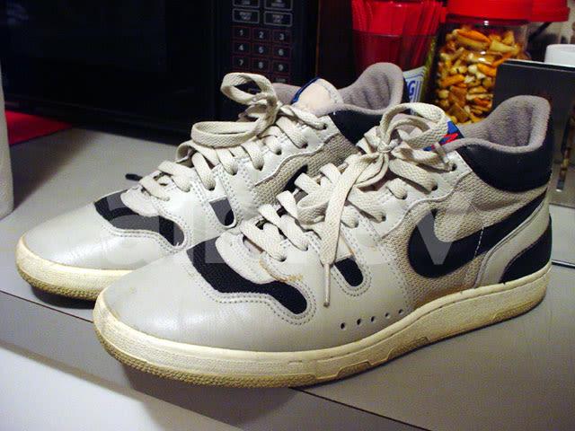 Cheek Tennis Shoes