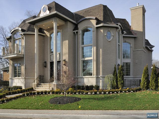 Fort lee nj the 10 ugliest mcmansions in new jersey for Lee homes