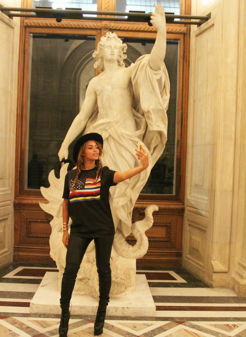Beyonce, statue