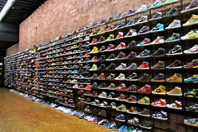 Shoe Stores Which Complex Hit