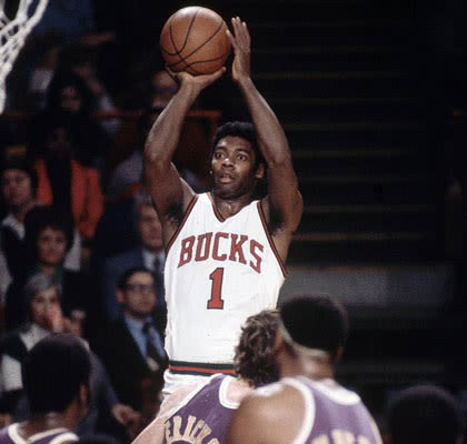 Nba Top 5 Guards Time 082243648 together with Triple Double In Basketball furthermore Bogues additionally Mitch Richmond likewise Elfrid Payton Nba Stats Rookie Orlando Magic Assists John Wall Oscar Robertson. on oscar robertson nba career stats