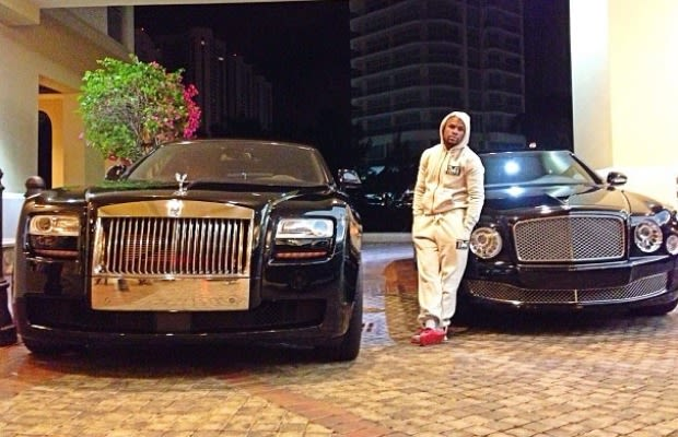 Floyd Mayweather Jr Actually Has A Couple Cars In His