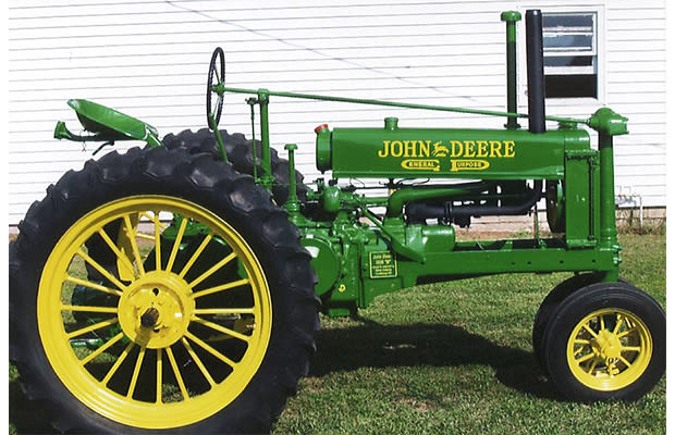 John Deere Toaster : Polaroid camera the most iconic designs of